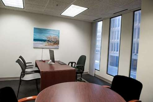 235 Peachtree Downtown | Featured 282sq.ft. Window Office Suite